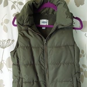 Olive green fleece lined puffy vest